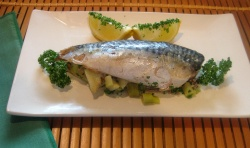 BAKED STUFFED MACKEREL  with apple and onion recipe
